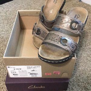 Clark's Lexi pewter sandal size 6.5